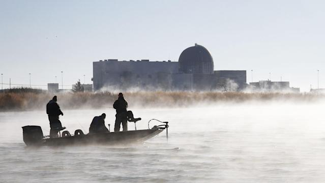 Steam rises from the warm waters created by the Wolf Creek Nuclear Operating Corporation at Coffey County Lake in Kansas. (Photo: Michael Pearce/TNS/Zumapress.com)