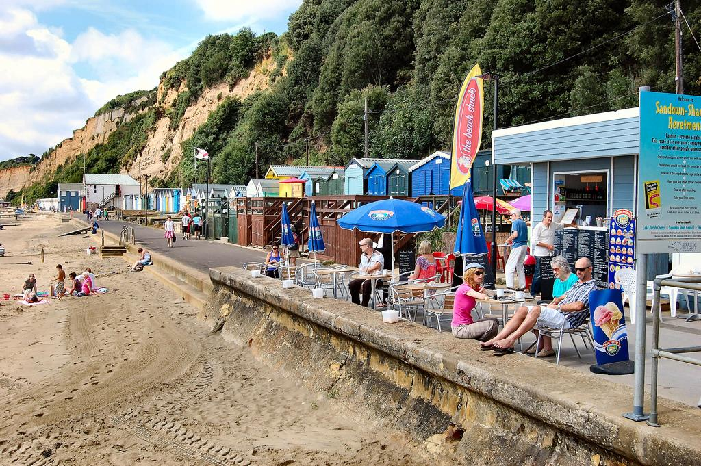 <p>Picturesque houses make Shanklin a particularly Instagrammable town.<br /><i>[Photo: Flickr/Ronald Saunders]</i> </p>