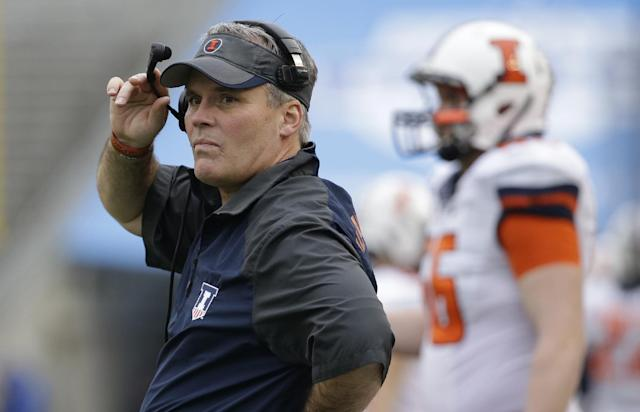 Some Illini players use Twitter to back coaches