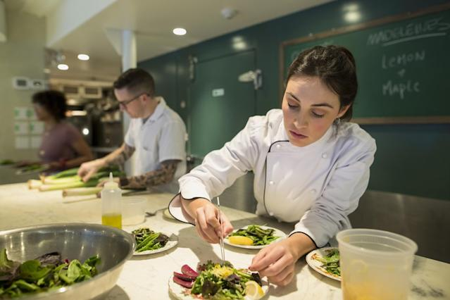 <p>No. 4 lowest-paid job: Food counter attendant, kitchen helper and related support occupations<br>Average full-time hourly wage: $13.05<br>(Hero Images / Getty Images) </p>