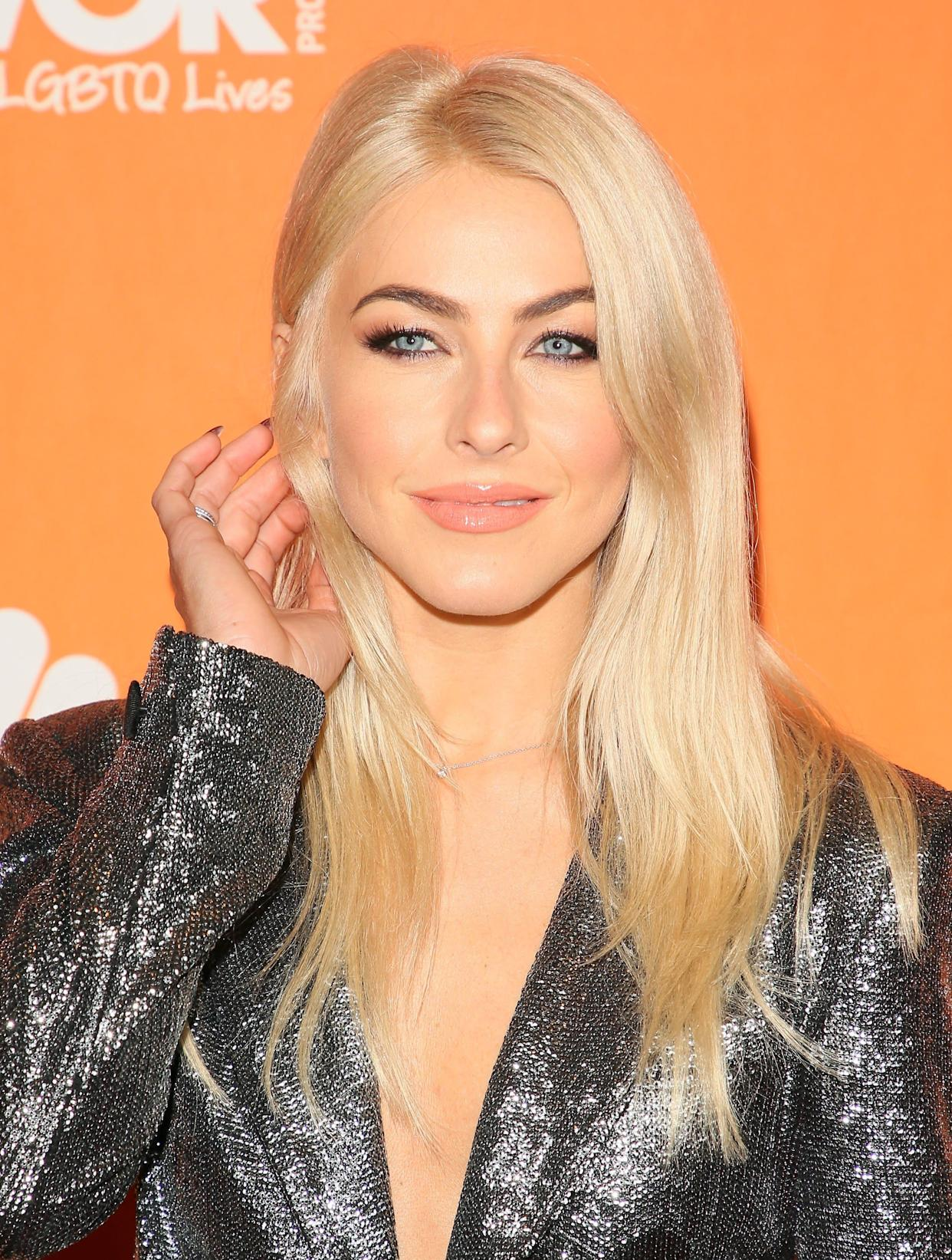 BEVERLY HILLS, CA - DECEMBER 03: Julianne Hough attends The Trevor Project's 2017 TrevorLIVE LA on December 3, 2017 in Beverly Hills, California. (Photo by JB Lacroix/ WireImage)