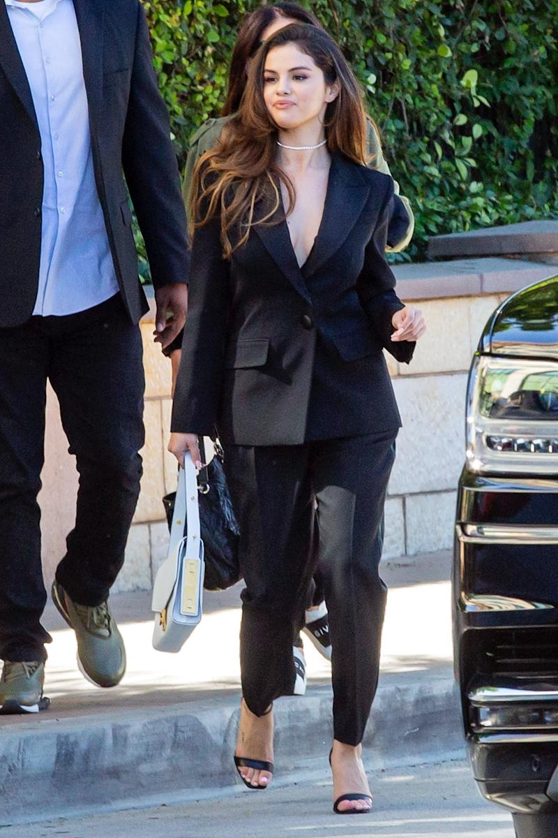 Selena Gomez Radiates Self-Confidence With a New Hair Style in Los Angeles