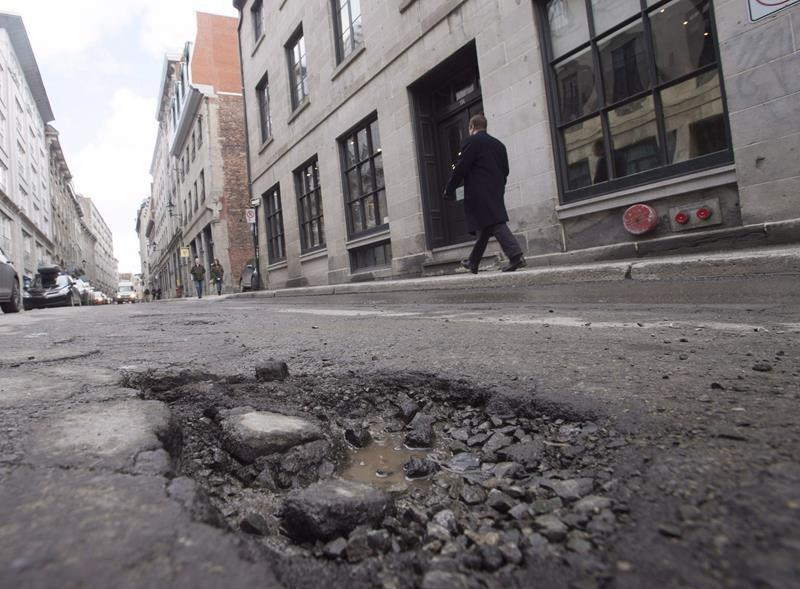 Underfunding, bad repairs, cited for why Canadian roads are breaking down