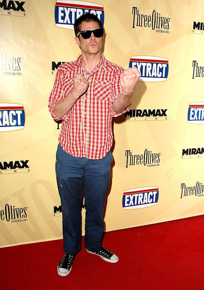 """<a href=""""http://movies.yahoo.com/movie/contributor/1804361376"""">Johnny Knoxville</a> arrives at the Los Angeles premiere of <a href=""""http://movies.yahoo.com/movie/1810039594/info"""">Extract</a> - 08/24/2009"""