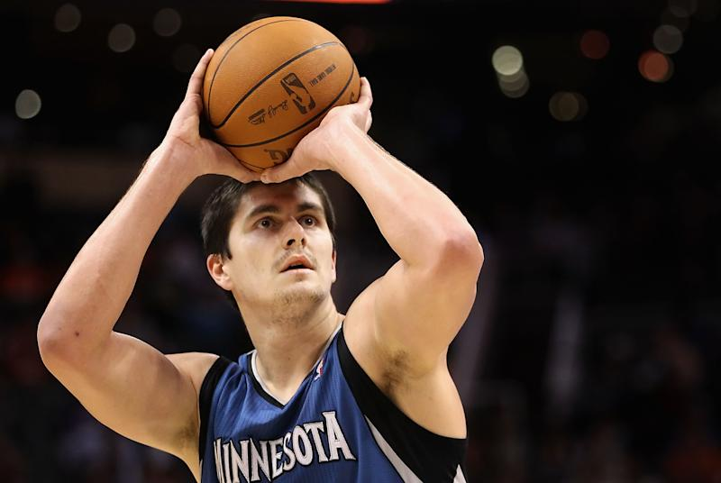 PHOENIX - DECEMBER 15: Darko Milicic #31 of the Minnesota Timberwolves shoots a free throw shot against the Phoenix Suns during the NBA game at US Airways Center on December 15, 2010 in Phoenix, Arizona. The Suns defeated the Timberwolves 128-122. NOTE TO USER: User expressly acknowledges and agrees that, by downloading and or using this photograph, User is consenting to the terms and conditions of the Getty Images License Agreement. (Photo by Christian Petersen/Getty Images)