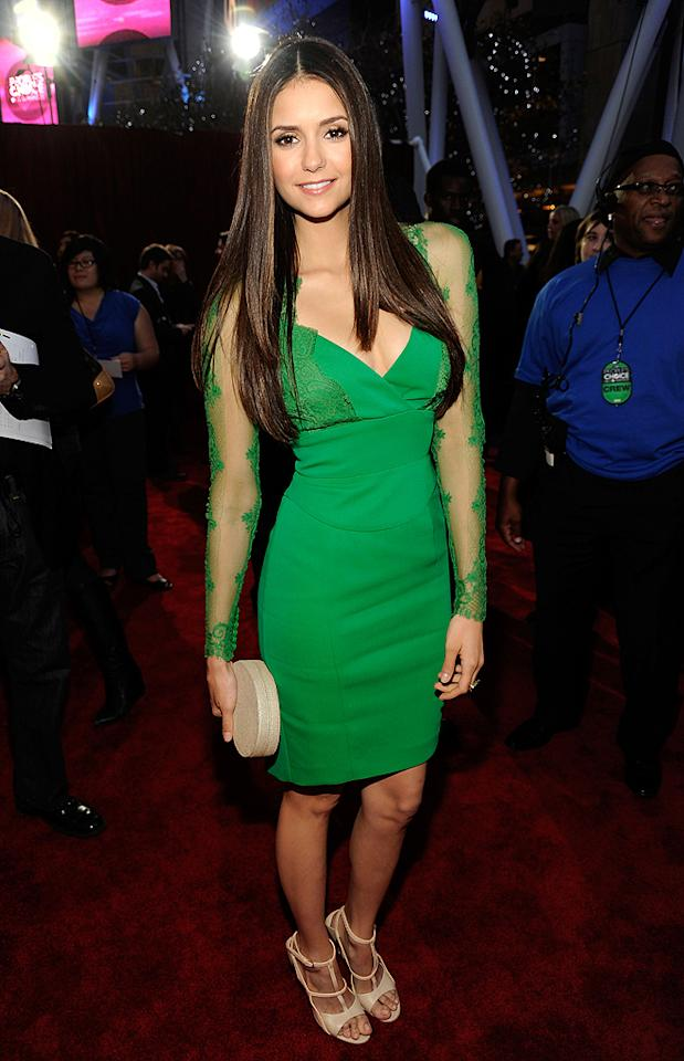 "Usually Nina Dobrev wows in anything she wears, but the ""Vampire Diaries"" beauty disappointed in this lackluster green dress. (01/11/2012)"