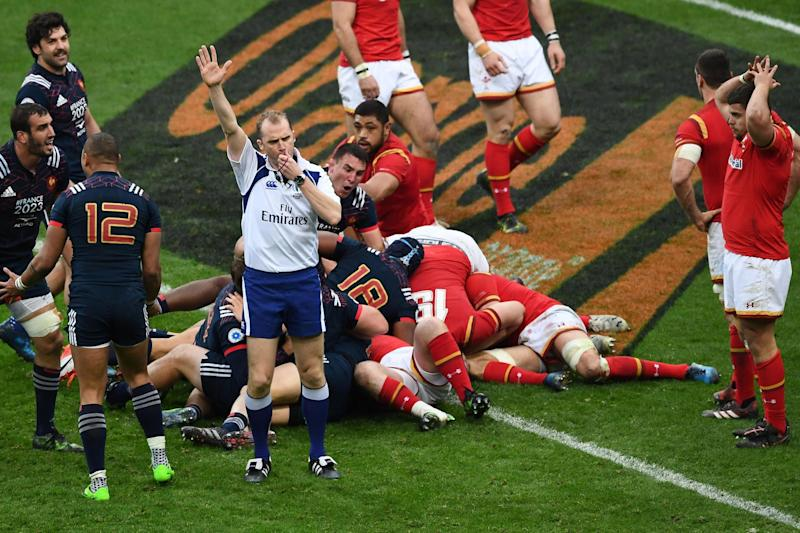 Late show: France go over in the 100th minute of the match: AFP/Getty Images