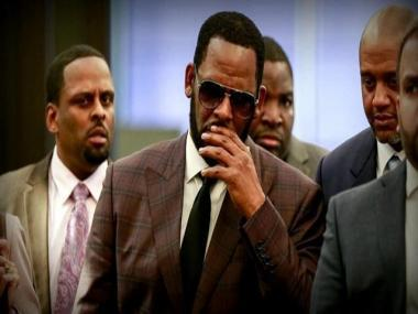 R Kelly's attorney claims singer was assaulted by fellow detainee in federal prison