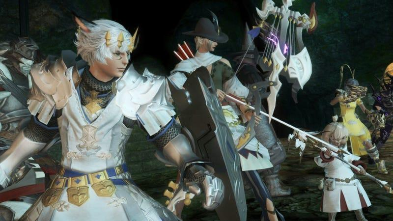 A large party of Final Fantasy XIV characters prepare for battle.