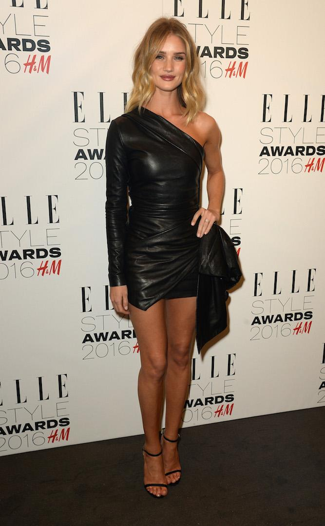 For the Elle Style Awards 2016, the supermodel demonstrated her sartorial know-how in a one-shoulder Marios Schwab dress complete with co-ordinating Jimmy Choo shoes. <em>[Photo: Getty]</em>