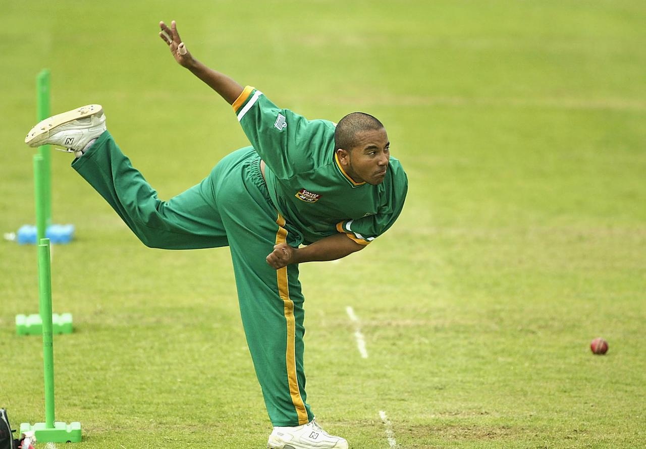 LONDON - JULY 30:  Paul Adams of South Africa practises bowling during South Africa's nets practise at Lords Cricket Ground on July 30, 2003 in London, England.  (Photo by Paul Gilham/Getty Images)