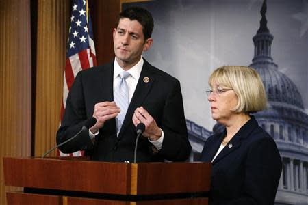 Senate Budget Committee chairman Senator Patty Murray (D-WA) (R) and House Budget Committee chairman Representative Paul Ryan (R-WI) (L) hold a news conference to introduce The Bipartisan Budget Act of 2013 at the U.S. Capitol in Washington, December 10, 2013. REUTERS/Jonathan Ernst