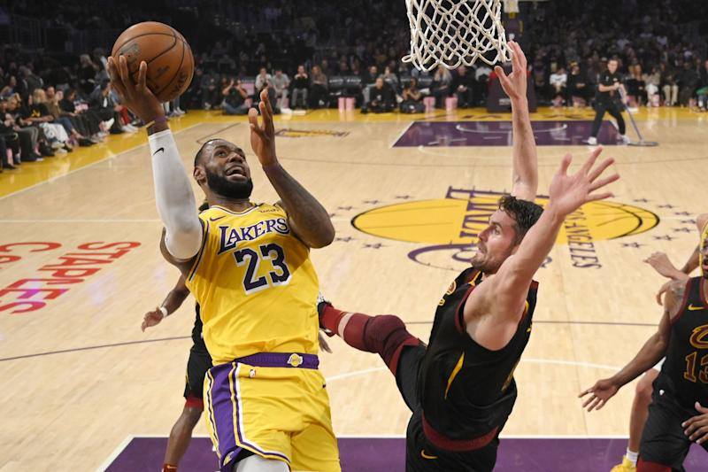 LeBron's 31 put Lakers past Cavs 128-99 for 9th straight win