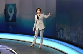Breaking news and barriers: South Korea welcomes first female anchor