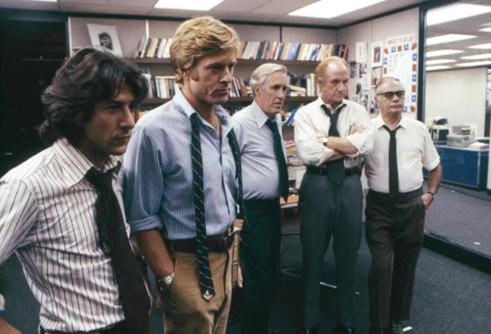 American actors Dustin Hoffman, Robert Redford, Jason Robards, Jack Warden and Martin Balsam on the set of All The President's Men, based on the book by Carl Bernstein and directed by Alan J. Pakula. (Photo by Warner Bros./Sunset Boulevard/Corbis via Getty Images)