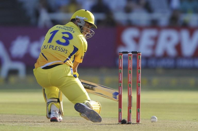 "Francois ""Faf"" du Plessis of the Chennai Super Kings plays a cut shot on October 16, 2012 during Match 7 of the Champions League T20 (CLT20) between the Chennai Super Kings (India) and the Highveld Lions (South Africa) at  the Newlands Cricket Stadium in Cape Town. AFP PHOTO / Roger Sedres"