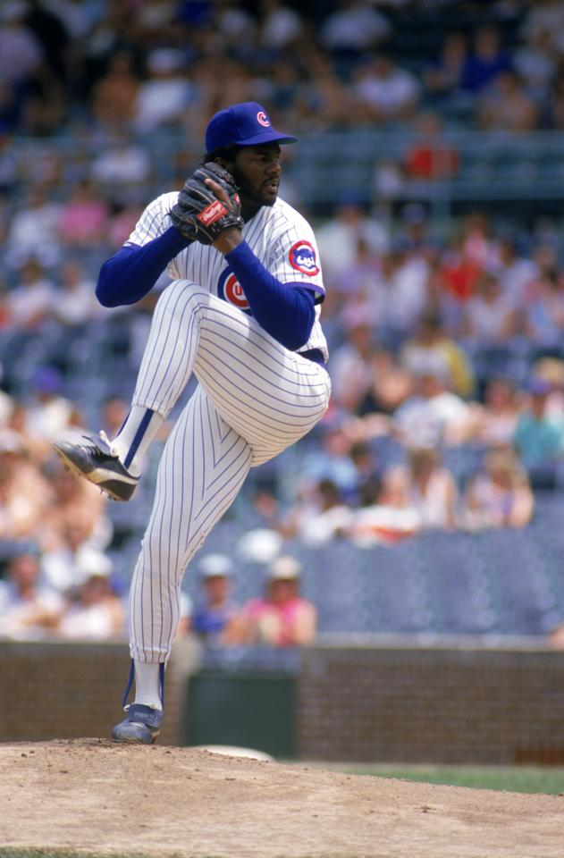 CHICAGO - JUNE: Lee Smith #46 of the Chicago Cubs winds back to pitch during a June, 1987 season game at Wrigley Field in Chicago, Illinois. (Photo by: Jonathan Daniel/Getty Images)
