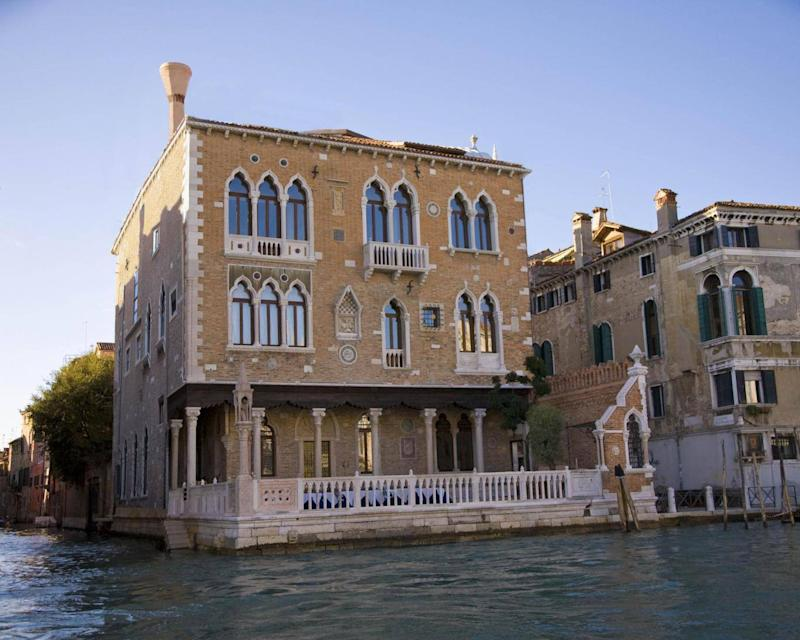 Palazzo Stern is a townhouse conversion on the Grand Canal – complete with rooftop Jacuzzi (Palazzo Stern)