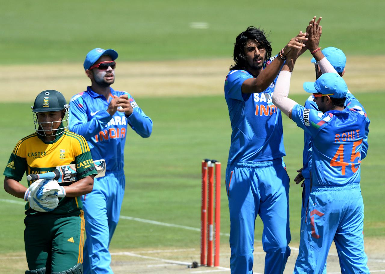 CENTURION, SOUTH AFRICA - DECEMBER 11: Ishant Sharma of India celebrates the wicket of Henry Davids for 1 during the 3rd Momentum ODI match between South Africa and India at SuperSport Park on December 11, 2013 in Centurion, South Africa. (Photo by Duif du Toit/Gallo Images/Getty Images)