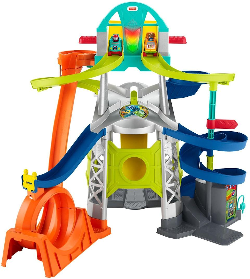 """<p><strong>Little People</strong></p><p>walmart.com</p><p><strong>$44.99</strong></p><p><a href=""""https://go.redirectingat.com?id=74968X1596630&url=https%3A%2F%2Fwww.walmart.com%2Fip%2F911122572&sref=https%3A%2F%2Fwww.bestproducts.com%2Fparenting%2Fg34074265%2Fwalmart-top-toys-of-2020%2F"""" rel=""""nofollow noopener"""" target=""""_blank"""" data-ylk=""""slk:Shop Now"""" class=""""link rapid-noclick-resp"""">Shop Now</a></p><p>These tiny racers are in for a loopy, fast-paced track with this Little People Launch and Loop Raceway. The brightly colored track features jumps, loops, and whirls for the little cars to race through. The result of each race is a surprise, as the cars can make it to the finish line, crash into each other, or totally fall off of the track. </p>"""