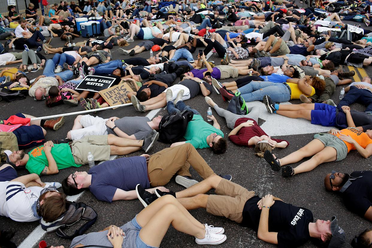 Protesters on Sept. 17, after the verdict in the Stockley trial. (Photo: Joshua Lott/Reuters)