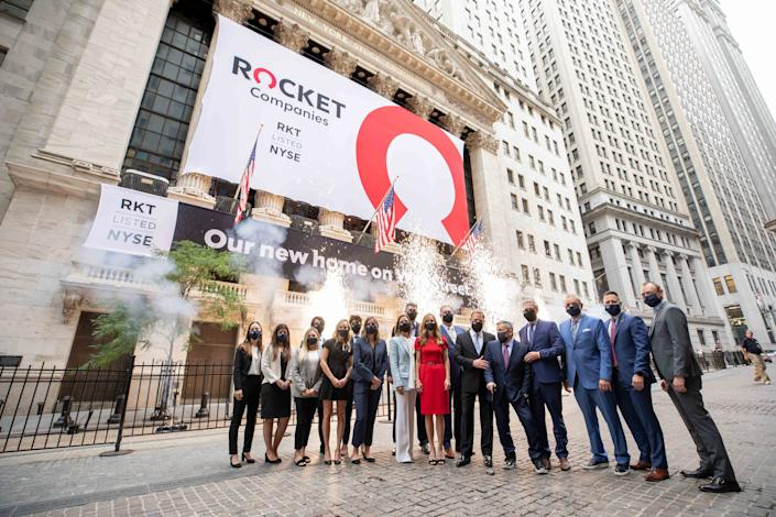 Rocket Companies, Inc. Rings The Opening Bell The New York Stock Exchange welcomes Rocket Companies, Inc. (NYSE: RKT) in celebration of its IPO. To honor the occasion, Dan Gilbert, Chairman, and Jay Farner, Chief Executive Officer, joined by Stacey Cunningham, President, NYSE, ring the NYSE Opening Bell.