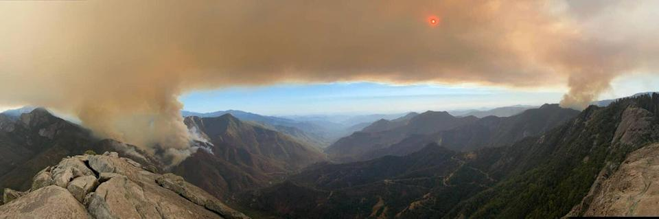 Paradise and Colony Fires seen from Buck Rock Fire Lookout