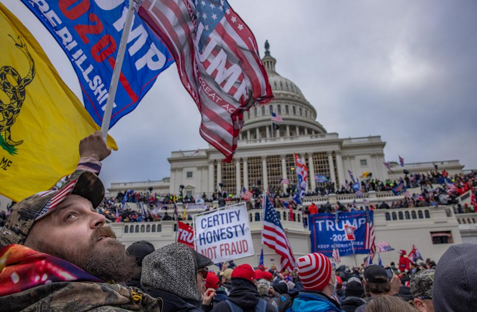 Trump-Supporter am 6. Januar vor dem Kapitol (Bild: Evelyn Hockstein/For The Washington Post via Getty Images)