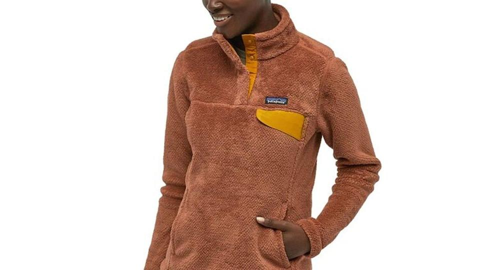 Best gifts for sisters 2021: Patagonia Re-Tool Snap-T Pullover