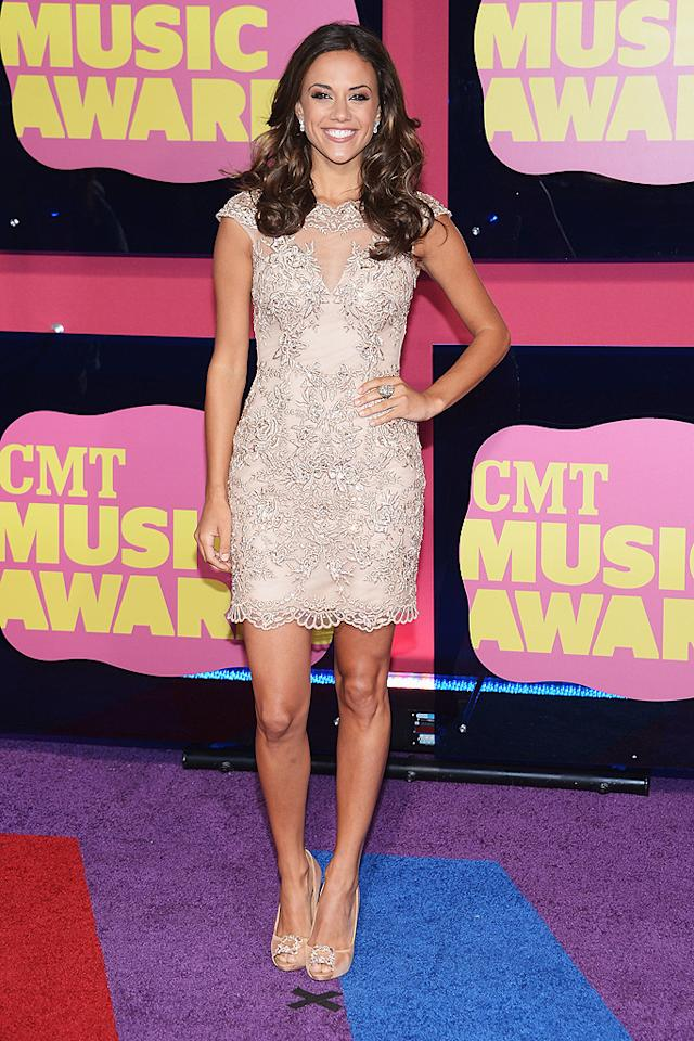 "<span style=""font-size:11.0pt; "">""One Tree Hill"" actress-turned-country-crooner Jana Kramer showed off her fab figure in this embellished cap-sleeve dress that she paired with peep-toe pumps and long tresses. </span>"