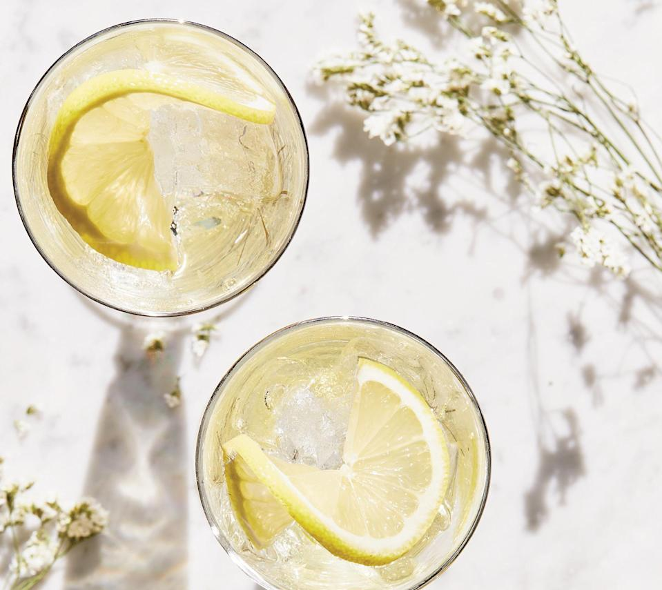 """<p>You may recognize elderflower as an ingredient to make liqueur used for cocktails like the <strong><a href=""""https://www.thedailymeal.com/spring-fling-recipe?referrer=yahoo&category=beauty_food&include_utm=1&utm_medium=referral&utm_source=yahoo&utm_campaign=feed"""" rel=""""nofollow noopener"""" target=""""_blank"""" data-ylk=""""slk:spring fling"""" class=""""link rapid-noclick-resp"""">spring fling</a></strong> and <strong><a href=""""https://www.thedailymeal.com/recipes/elderflower-spritz-cocktail-recipe?referrer=yahoo&category=beauty_food&include_utm=1&utm_medium=referral&utm_source=yahoo&utm_campaign=feed"""" rel=""""nofollow noopener"""" target=""""_blank"""" data-ylk=""""slk:elderflower spritz"""" class=""""link rapid-noclick-resp"""">elderflower spritz</a></strong>. But there are other ways of using this edible flower. Only the berries — known for their immune-boosting properties — and flowers are edible, and don't try eating this plant raw because it's mildly toxic. However, when cooked, elderflowers carry a sweet floral taste with a hint of pear and lychee notes. You can use this flower to upgrade your <a href=""""https://www.thedailymeal.com/entertain/best-cocktails-spring-parties-0?referrer=yahoo&category=beauty_food&include_utm=1&utm_medium=referral&utm_source=yahoo&utm_campaign=feed"""" rel=""""nofollow noopener"""" target=""""_blank"""" data-ylk=""""slk:spring cocktails"""" class=""""link rapid-noclick-resp"""">spring cocktails</a>, but it is also good to make teas, simple syrups and baked goods — Prince Harry and Meghan Markle's wedding cake was famously flavored with elderflower.</p>"""