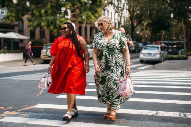 On the street at New York Fashion Week Spring 2022. <p>Photo: Imaxtree</p>