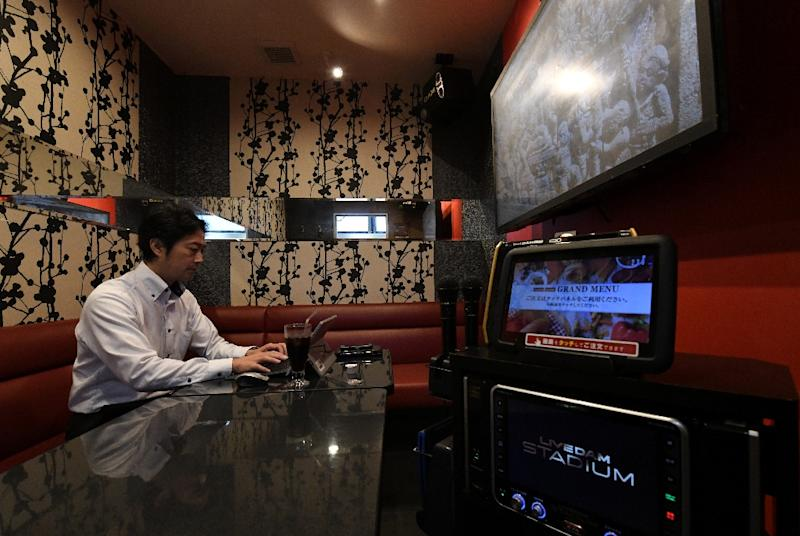 For 600 yen per hour ($5.30), users can practice their business presentations in a karaoke room complete with microphone and white board (AFP Photo/Toshifumi KITAMURA)