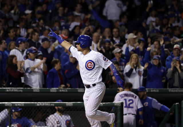Willson Contreras celebrates his home run. (AP Photo)
