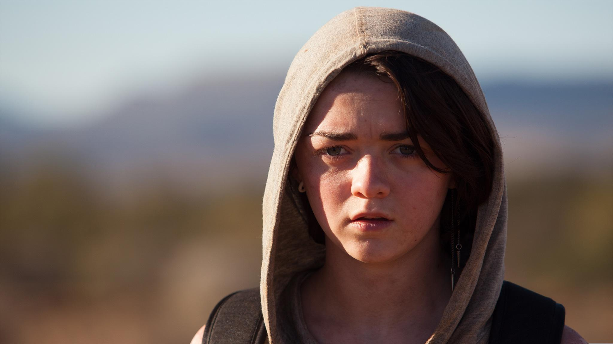 Maisie Williams in 'Heatstroke'