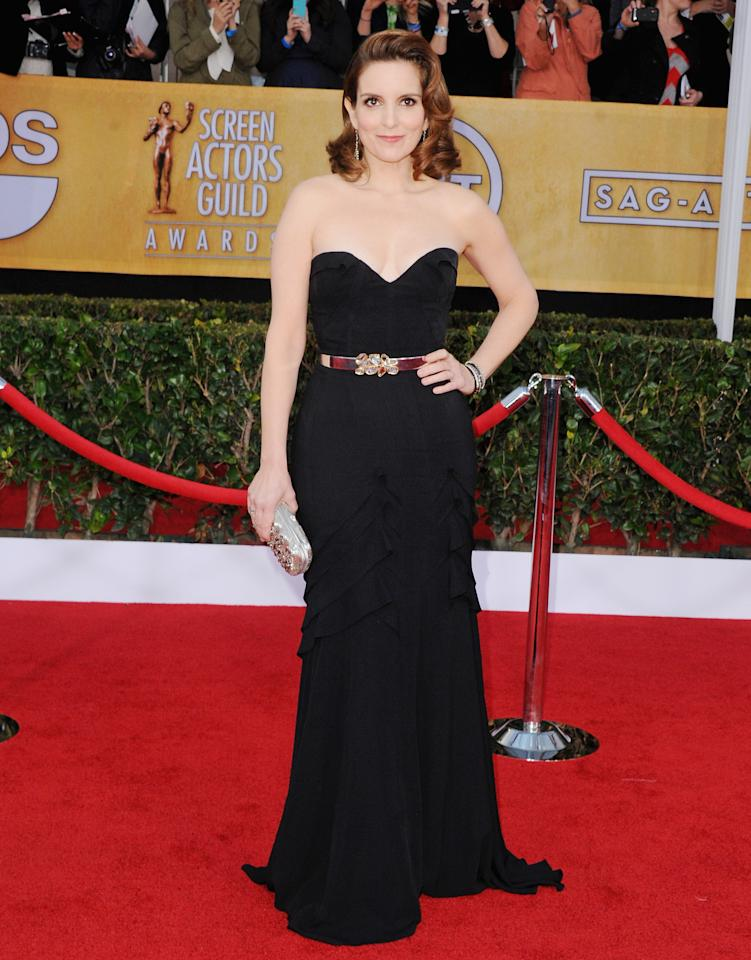 Queen of comedy, Tina Fey shined at the SAG Awards red carpet in this strapless Oscar de la Renta dress.