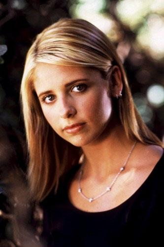 "<div class=""caption-credit""> Photo by: ©20th Century Fox/Everett/Rex USA</div><div class=""caption-title""></div><b>Buffy Summers, Buffy the Vampire Slayer</b> <br> <br> Into every generation a slayer is born...and Sunnydale's vamp-duster just happened to have California cool down. Buffy's chunky highlights, well-defined lashes, rosy cheeks, and neutral gloss add up to a ladylike look that kicks ass and takes names. <br> <br>"
