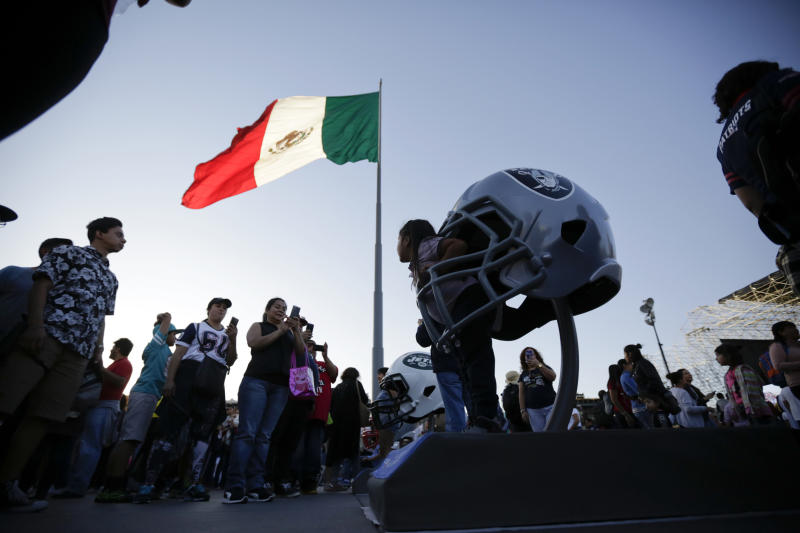 NFL extends deal to play in Mexico from 2019-21