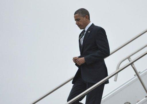 <p>US President Barack Obama arrives in East Granby, Connecticut, on December 16, 2012. Obama and top Republican lawmaker John Boehner, the speaker of the House, met for about 45 minutes -- the latest in a series of meetings between the two protagonists in the negotiations as they seek to forge a compromise aimed at preventing tax hikes and federal spending cuts from kicking in beginning January 1.</p>