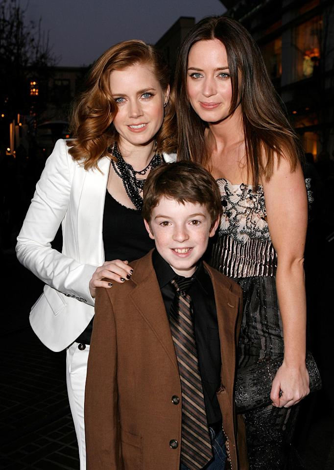 """<a href=""""http://movies.yahoo.com/movie/contributor/1800018895"""">Amy Adams</a>, <a href=""""http://movies.yahoo.com/movie/contributor/1808605552"""">Jason Spevack</a> and <a href=""""http://movies.yahoo.com/movie/contributor/1808577445"""">Emily Blunt</a> at the Los Angeles premiere of <a href=""""http://movies.yahoo.com/movie/1809823943/info"""">Sunshine Cleaning</a> - 03/09/2009"""