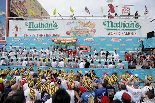<p>The women's round of the annual Nathan's Hot Dog Eating Contest in Brooklyn, New York City, U.S., July 4, 2018. (Photo: Stephen Yang/Reuters) </p>