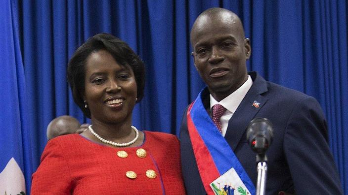 Haitian President Jovenel Moïse (R) poses with his wife Martine Marie Etienne Joseph (L), during his investiture ceremony,
