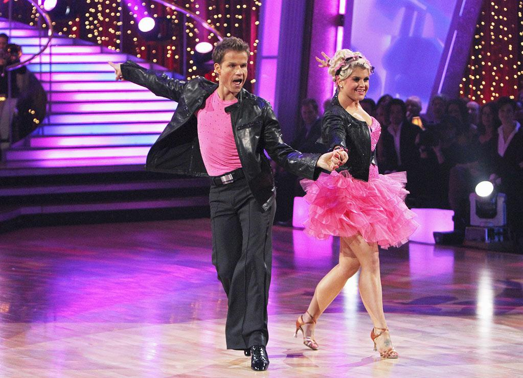 """Louis Van Amstel and Kelly Osbourne perform on """"Dancing with the Stars."""""""