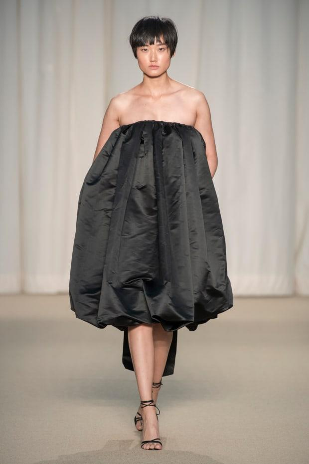<p>A look from the Adam Lippes Spring 2022 collection. </p><p>Photo: Imaxtree</p>