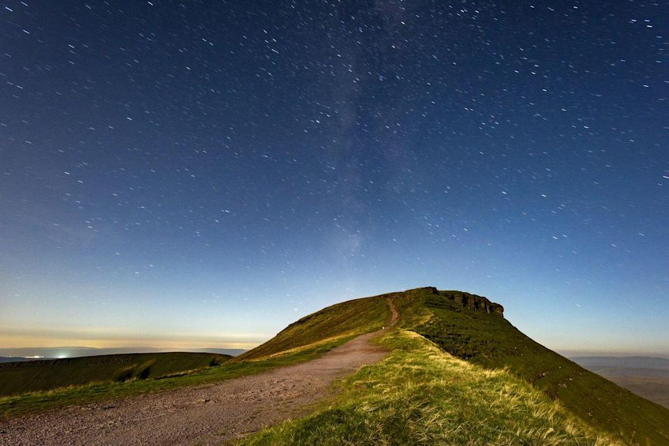 "<p>Taking the 15th spot is Pen y Fan in the Brecon Beacons. A top choice for many stargazers, it's one of the most popular hikes in Wales alone. </p><p><strong>READ MORE</strong>: <a href=""https://www.countryliving.com/uk/wildlife/countryside/a35211906/stargazing-app/"" rel=""nofollow noopener"" target=""_blank"" data-ylk=""slk:18 best stargazing apps for spotting constellations in the night sky"" class=""link rapid-noclick-resp"">18 best stargazing apps for spotting constellations in the night sky</a></p>"