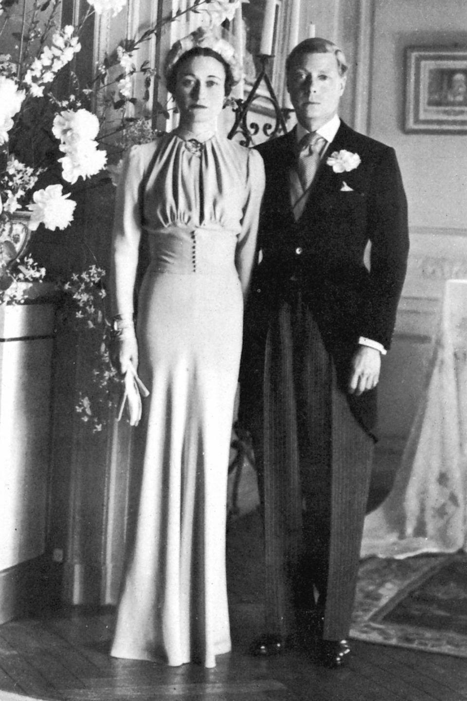 <p>This couple's controversial love affair began in 1931, when the two met under peculiar circumstances. Simpson was friendly with the future King's mistress, Lady Furness, who asked Wallis to chaperone her weekend with Edward at her country estate, Burrough Court. Edward and Lady Furness continued their relationship until 1934, during which he and Wallis continued to bump into one another. </p><p>When Lady Furness was out of town in 1934, Edward and Wallis got together. Due to her common status, Edward abdicated the throne to marry Wallis in 1936, although she was still married to her second husband at the time.</p>