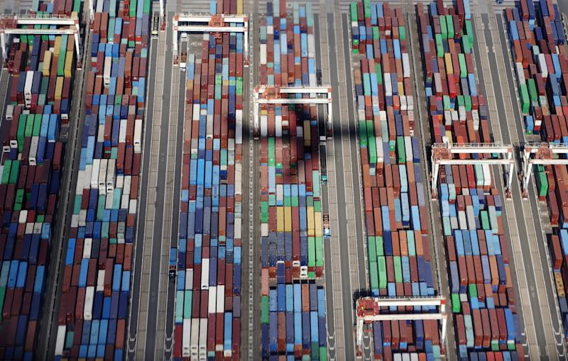 U.S., China Exchange Jabs as They Gear Up for Trade Talks