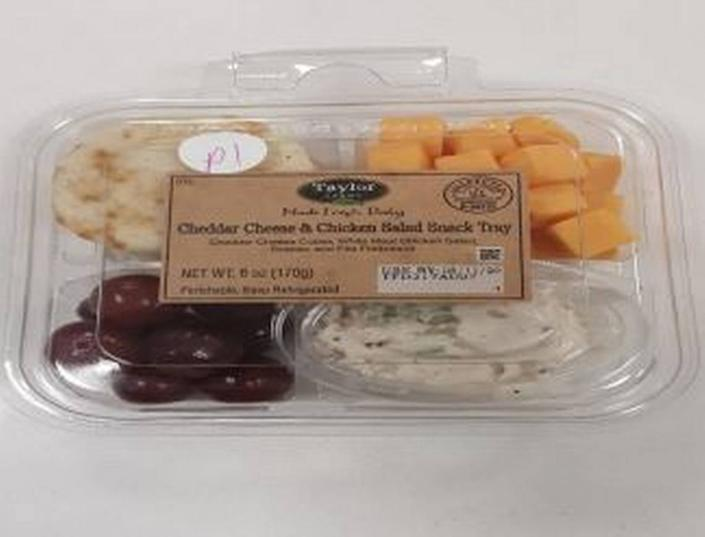 Taylor Farms Cheddar Cheese & Chicken Salad Snack Tray