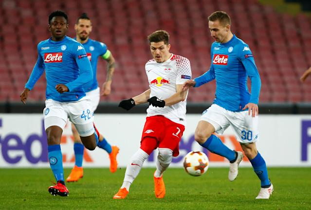 Soccer Football - Europa League Round of 32 First Leg - Napoli vs RB Leipzig - Stadio San Paolo, Naples, Italy - February 15, 2018 RB Leipzig's Marcel Sabitzer in action with Napoli's Marko Rog and Amadou Diawara (L) REUTERS/Tony Gentile