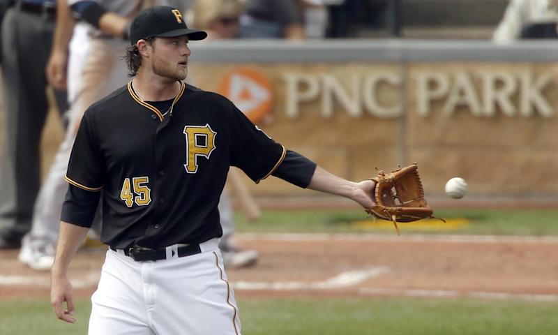 Pirates erupt against Kennedy, top Padres 10-1